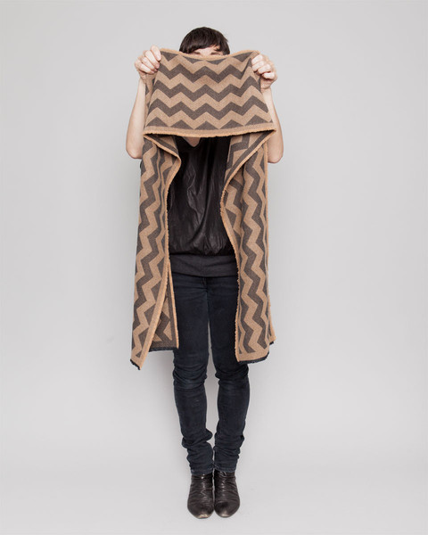 stringtheory_scarf_held_chevron_bt_grande